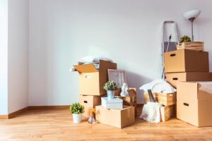 Des caisses remplie après un déménagement