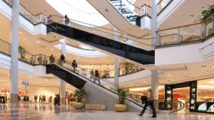 Une galerie commerciale animée